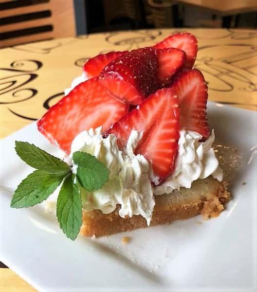 strawberry poundcake