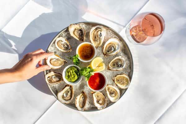 E. Coast Oysters 1/2 Dozen