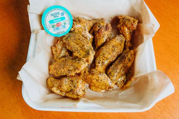 16 Traditional Wings