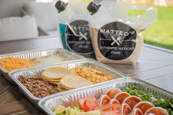 matteos catering trays