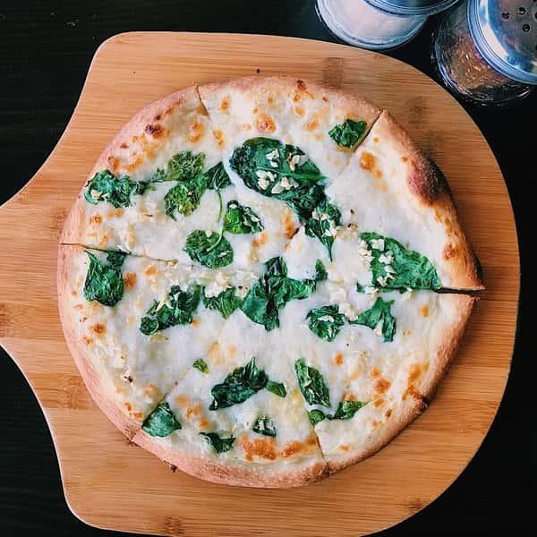 The Alfredo Pizza