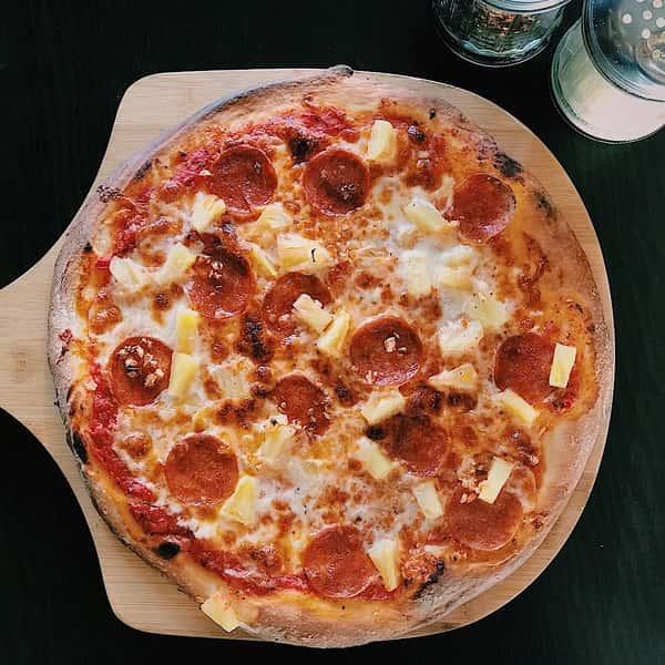 Italian & Hawaiian Pizza