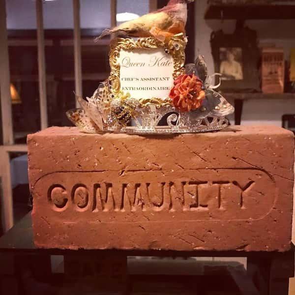 community brick & tiara
